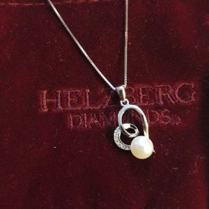 Jewelry - Sterling silver pearl necklace